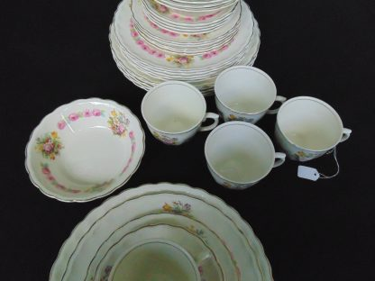 Woods Ivory Ware, England, 453, 33 pieces Dinner Setting
