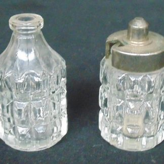2 Condiment Containers