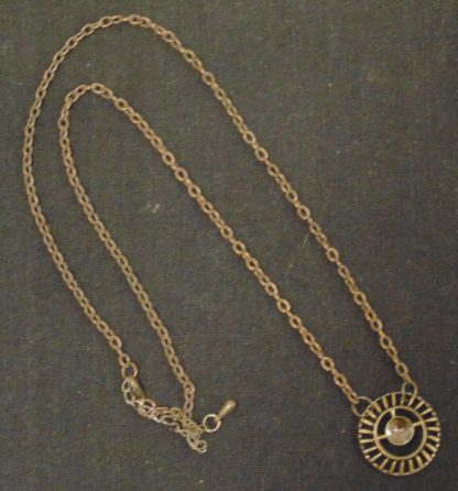 Chain and round Pendant