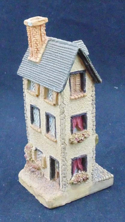 3 story Town House Statue